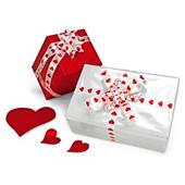Nastro regalo con cuori rossi