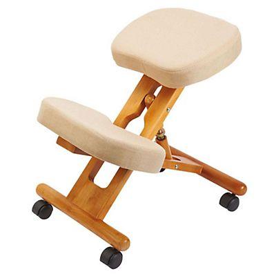Sgabello ergonomico colore panna staples for Sgabello per scrivania