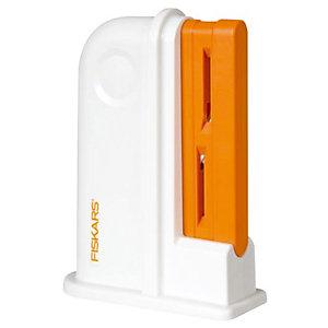 Aiguiseur de ciseaux universel Fiskars® coloris blanc/orange