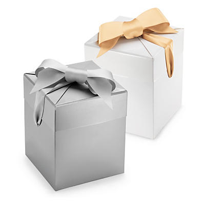 Boite cadeau avec ruban satin grise et blanche