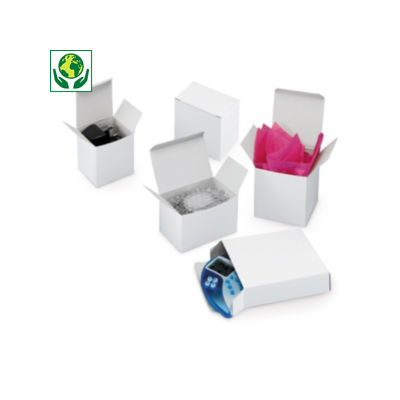 Caja blanca de cartón fino