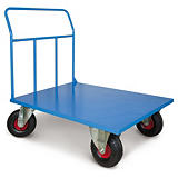 Carrello con pianale ruote antiforatura portata 500 kg