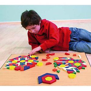 CULTURE CLUB Seau à anse contenant 250 formes géométriques en bois 6 formes 6 couleurs assorties épaisseur 1cm
