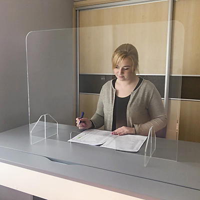 Ecran de protection en plexiglas