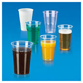 Gobelet et verre plastique