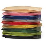 Papierbeutel in klassischen Farben