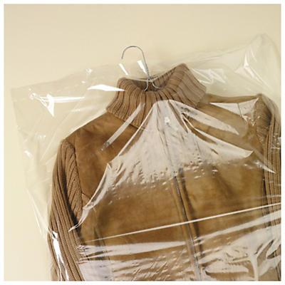Schutzhüllen für Bekleidung auf der Rolle