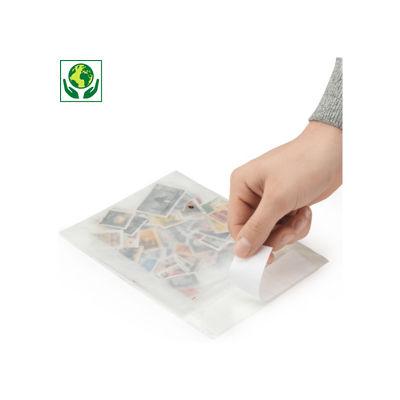 Sobre de papel efecto glaseado con cierre adhesivo