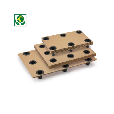 Palette en carton emboîtable à plots plastique Interpal##Stapelbare kartonnen pallet met plastic stoppen Interpal