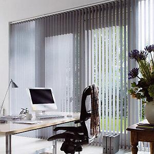 Store à bandes verticales sur mesure, lames largeur 127 mm en polyester occultant coloris gris alu