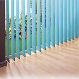 Store à lames verticales sur mesure coloris bleu