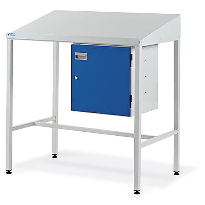 Team leader workstations, sloping top